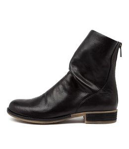 Django & Juliette Carlo Black Leather