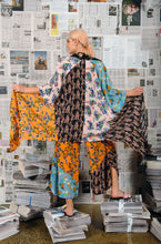 Load image into Gallery viewer, M. A. Dainty Ginori Kimono Mixed Bunch