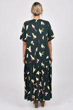 Load image into Gallery viewer, PQ Collection Peak Maxi Dress Paradise Green