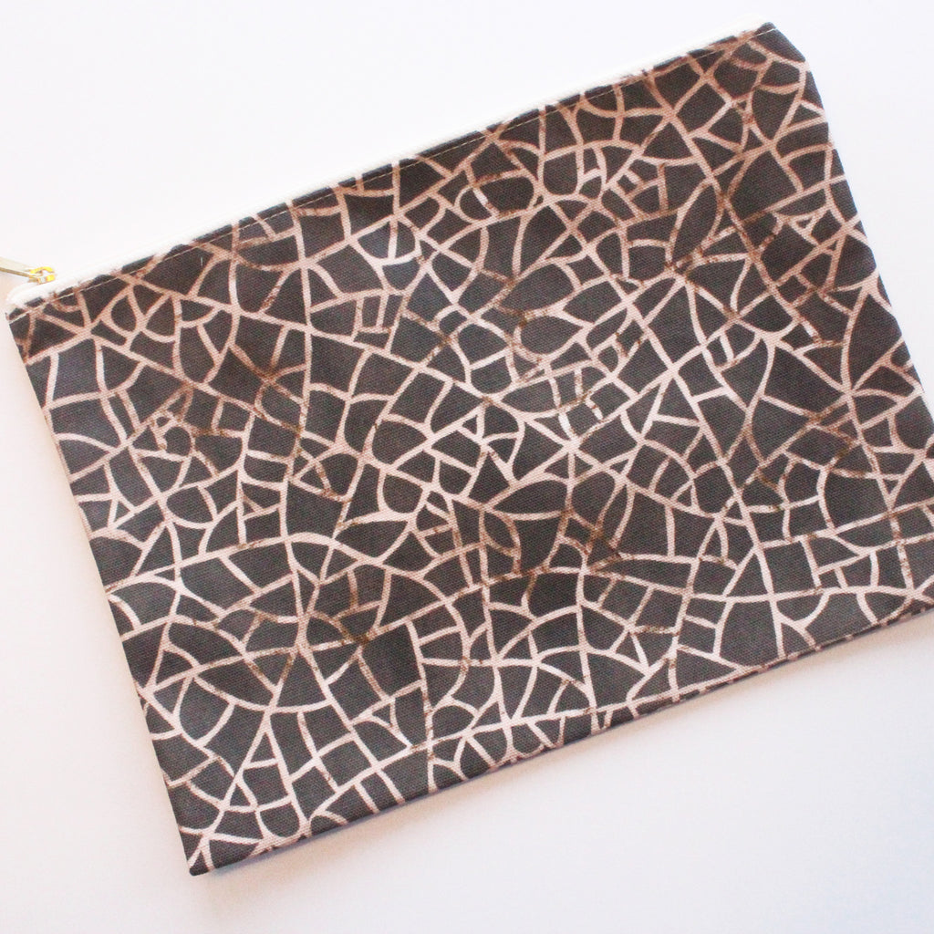 Sample Sale: Crackle Brown Large Flat Pouch - milogiftshop