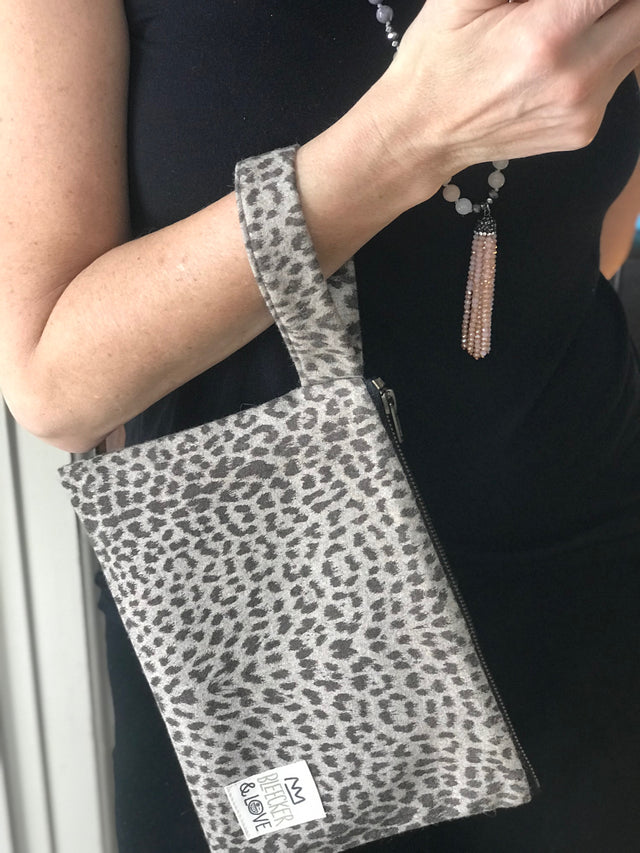 Cheetah  Flat Pouch - 2 Sizes Available - milogiftshop