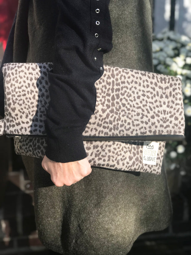 Cheetah Clutch - milogiftshop