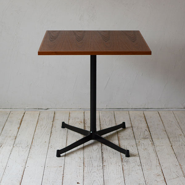 Cafe Table 900×700_Side