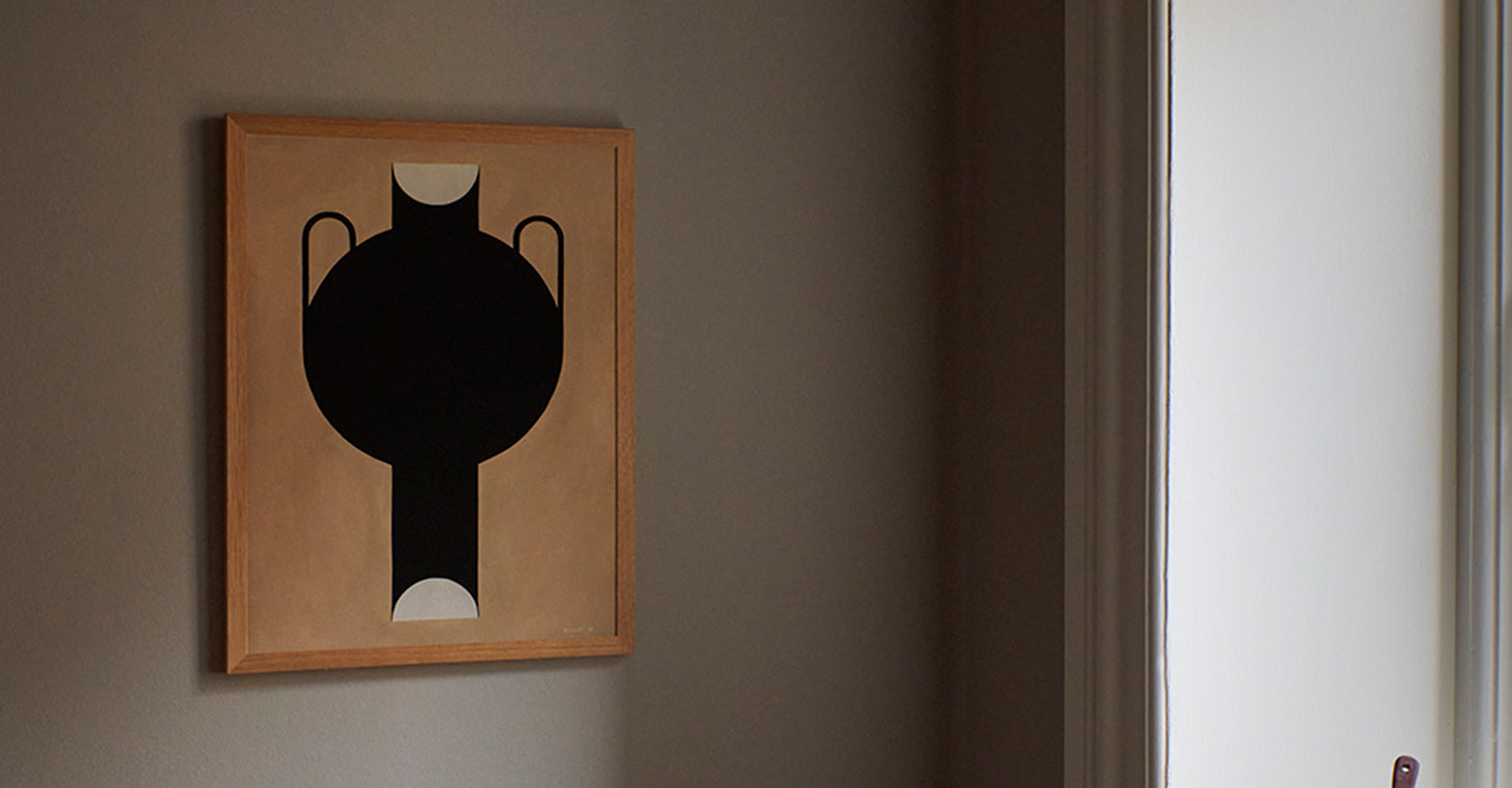 THE POSTER CLUB Studio Paradissi, Silhouette of a Vase 07