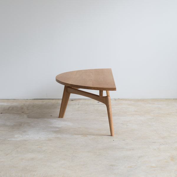 Luu Table(wood top)_Front