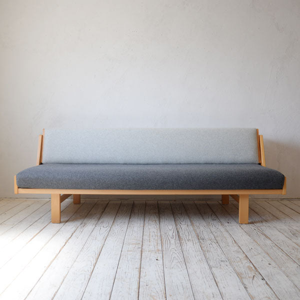 Hans J. Wegner GE258 Day Bed D-R208D502