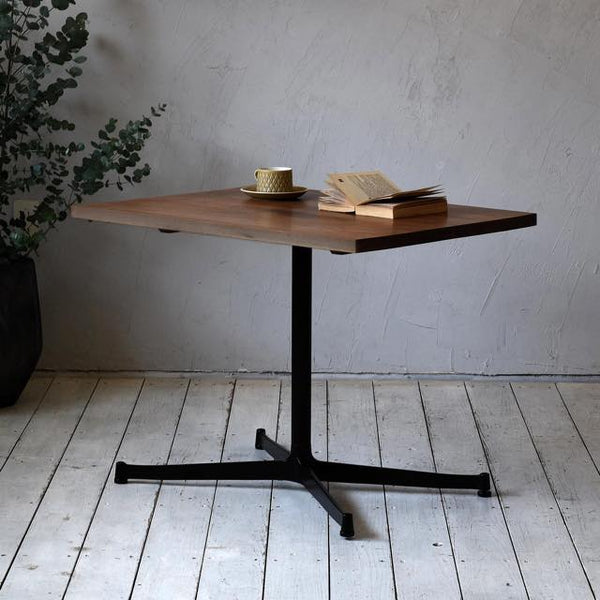Cafe Table 800×600