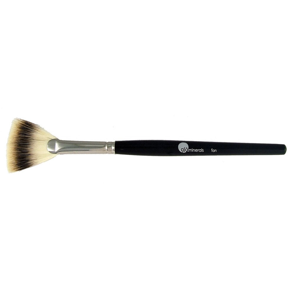 glo Minerals Fan Brush