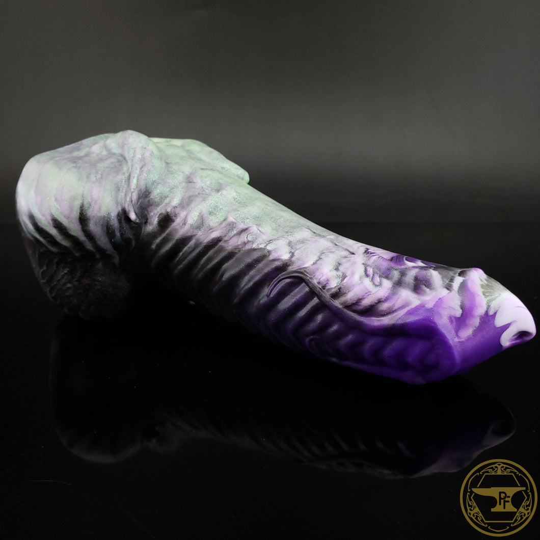 |SOLD OUT| Medium Illithid, Soft 00-30 Firmness, Cursed Sea Witch, 0176, UV, GLOW
