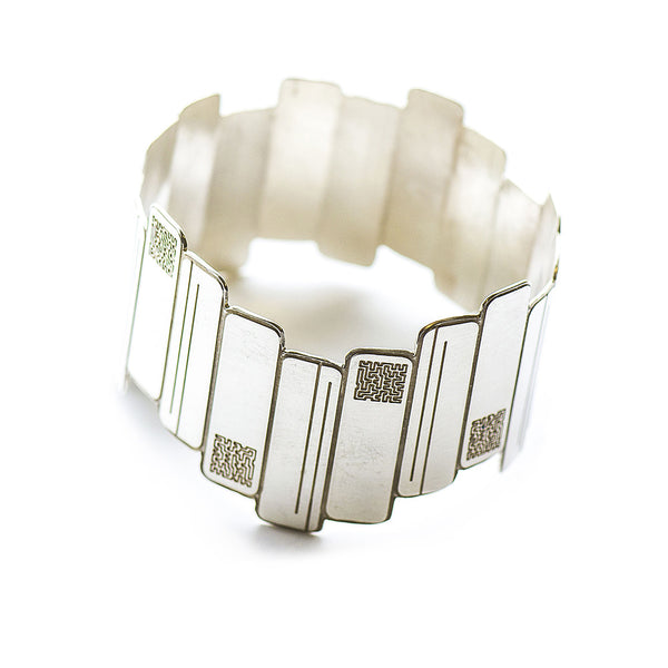 SIGNATURE silver etched squares Bangle