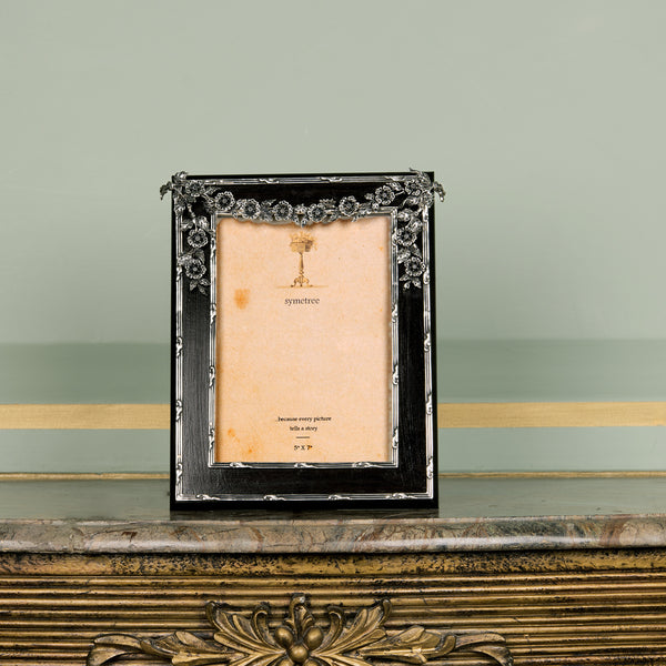 THE ORNATE FLORAL  FRAME