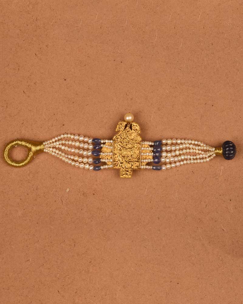 MAJESTIC BLUE PAUNCHI IN 18KT GOLD