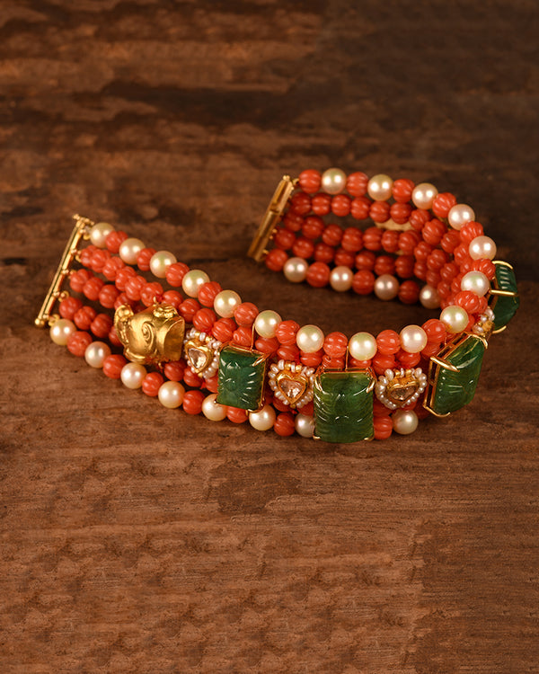 CORAL AND EMERALD BRACELET WITH GOLD AND POLKIS