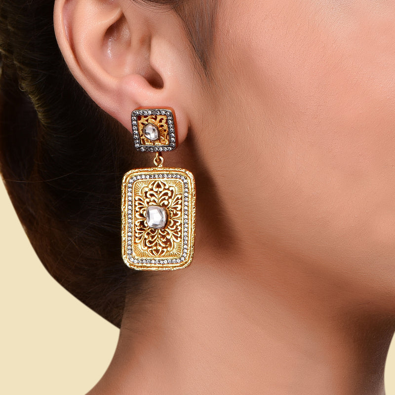 SQAURE FILIGREE EARRING