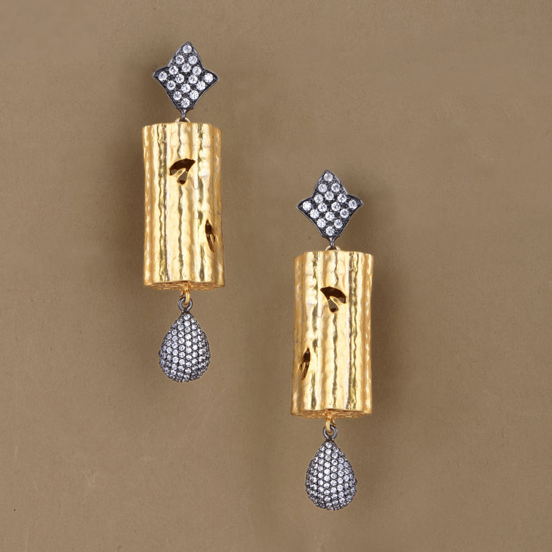 TEXTURED CYLINDER EARRING