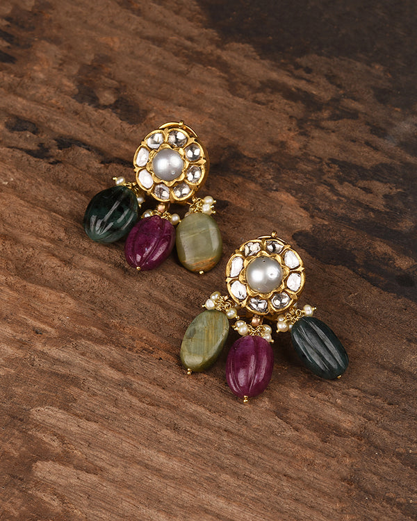 18KT POLKI STUDS WITH CARVED MELON BEADS