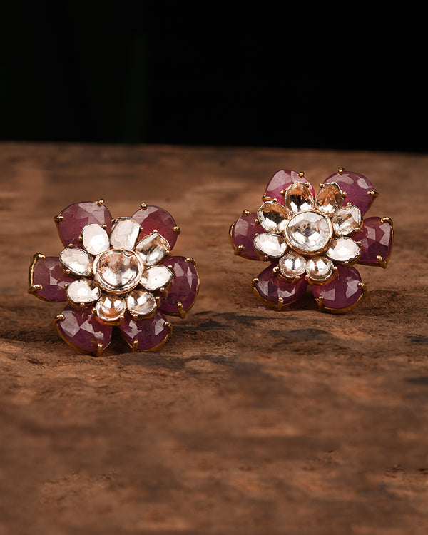 FLORAL STUDS IN GOLD WITH POLKI
