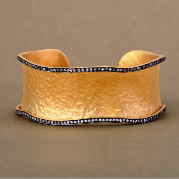 CZ SCALLOP EDGED CUFF