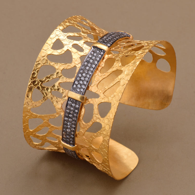 TEXTURED CUT BANGLE