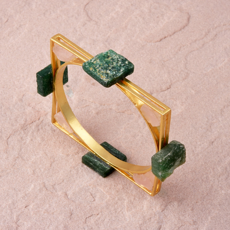 WEBBED ROCK BRACELET