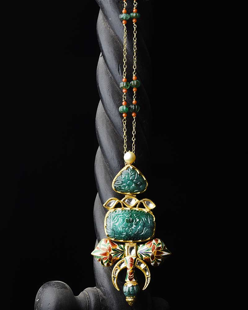 CLASSIC EMERALD AND ENAMEL PENDANT