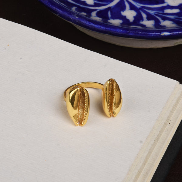 DUAL COWRIE RING