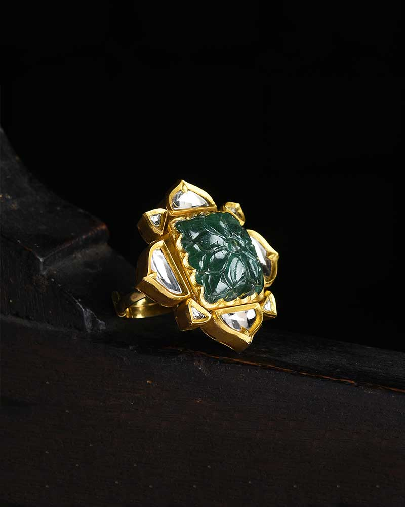 CARVED EMERALD MUGHAL RING