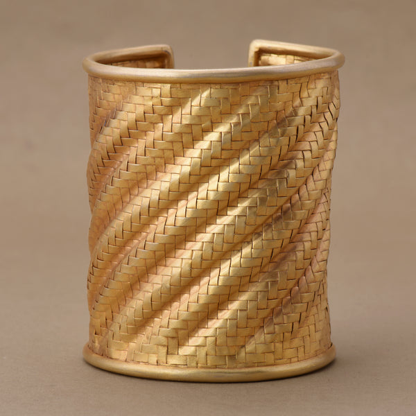 MUTED GOLD BASKET WEAVE TEXTURED CUFF