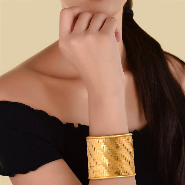 MUTED GOLD BASKET WEAVE CUFF