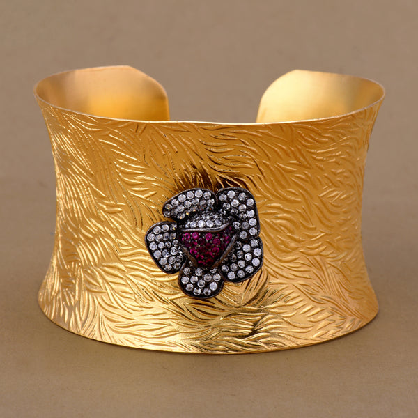 MUTED GOLD FLOWER CUFF
