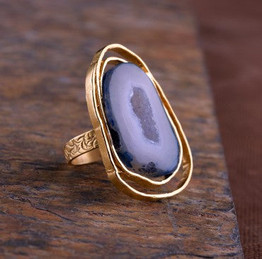 THE ENTANGLED AGATE RING