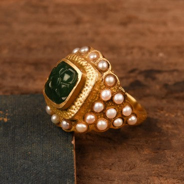 PEARL WITH GREEN CARVED RING