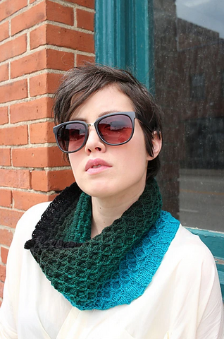 Laura cowl pattern (PDF download)