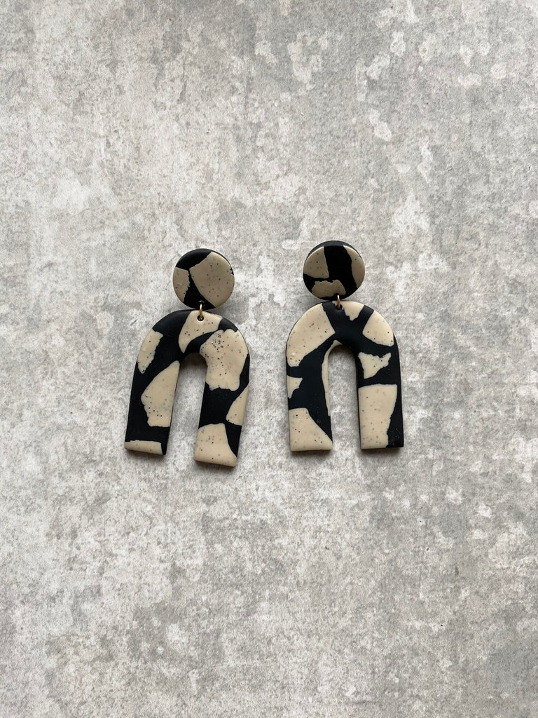Terrazzo Arch Black Earrings