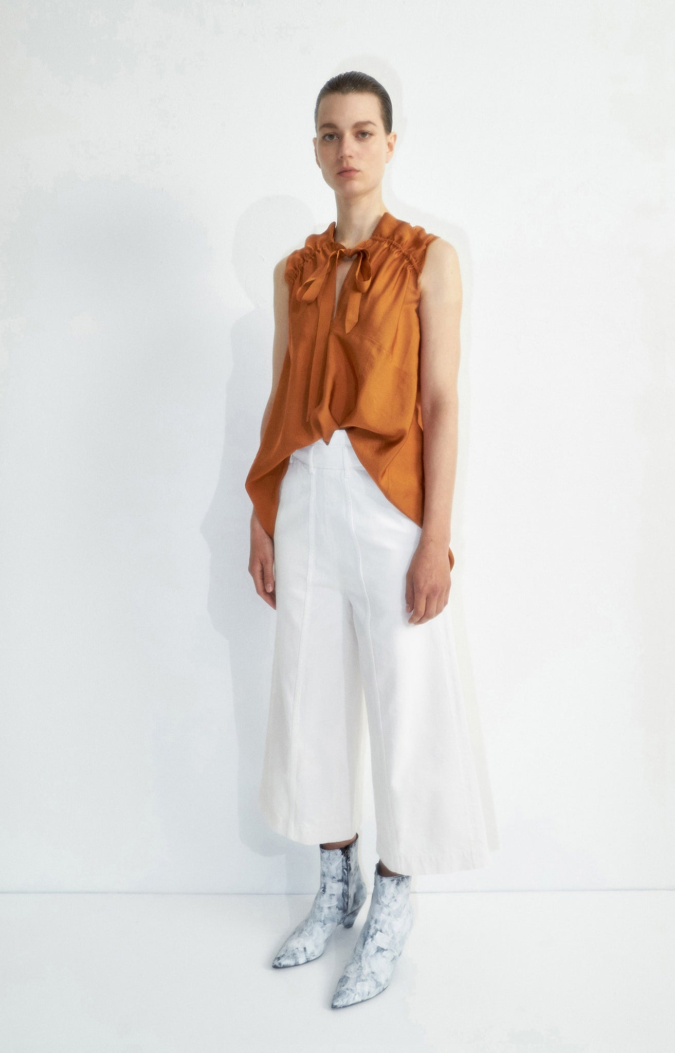 Pani off white trousers