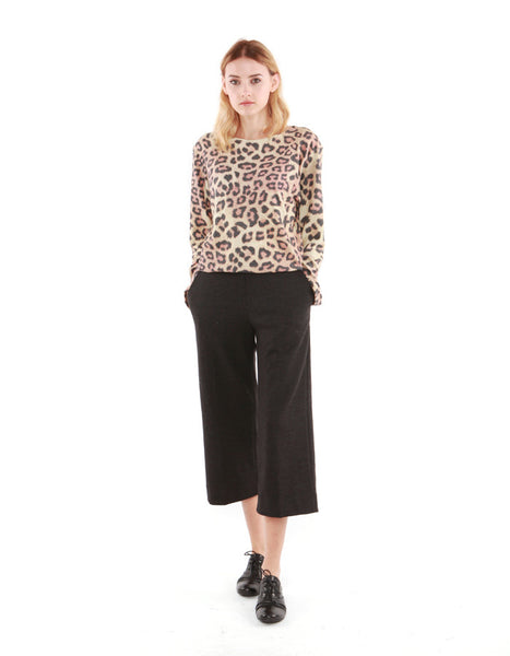 Julian Long Sleeve Leopard<br><font color=red><STRIKE>USD $77.00</strike></font>