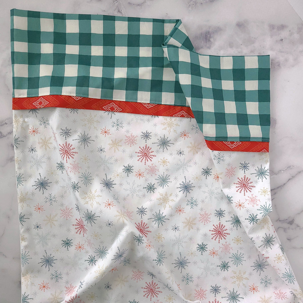 Snow Flurry Pillowcase Kit