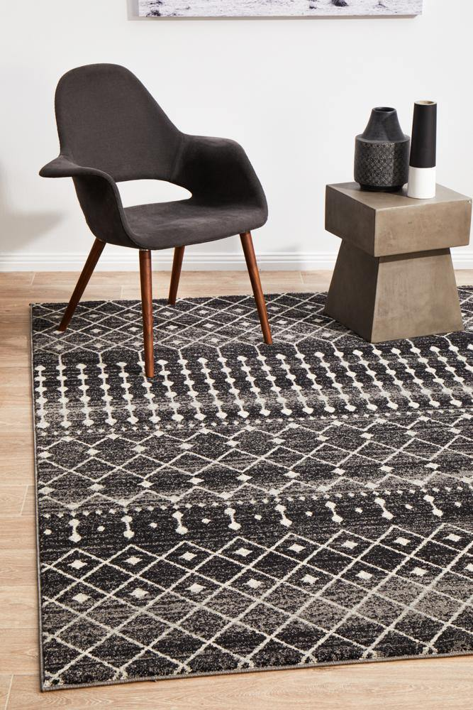 Evoke Simplicity Black Transitional Rug - Housethings