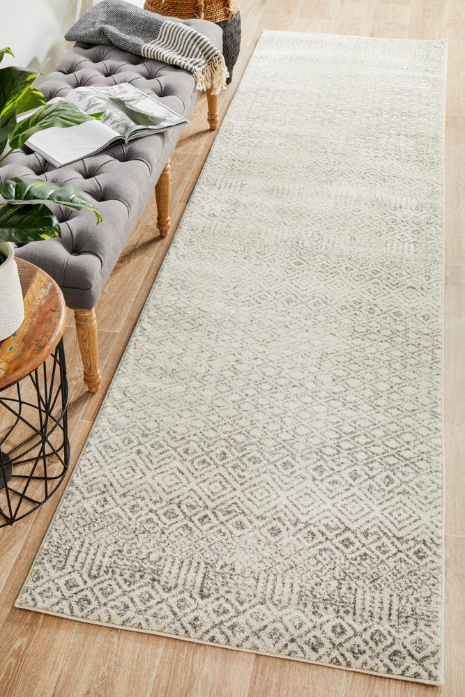 Evoke Diamond Grey Transitional Runner Rug - Housethings