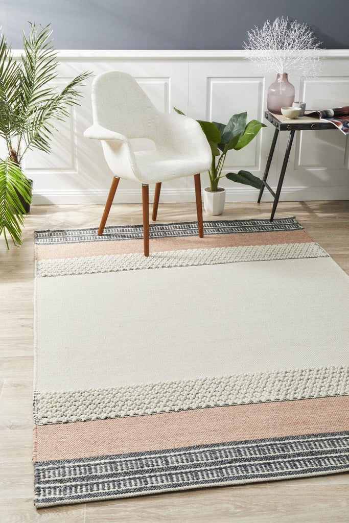 Esha Textured Woven Rug White Peach - Housethings