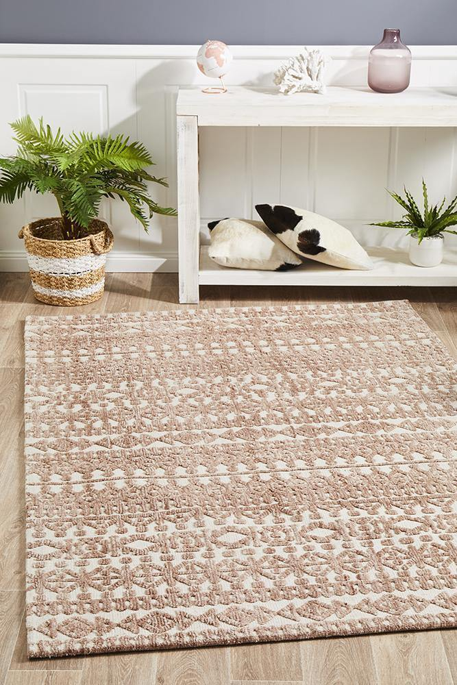Levi Becca Peach Ivory Rug - Housethings