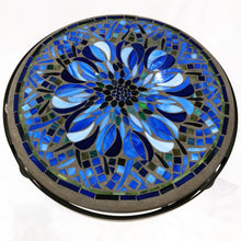 "Load image into Gallery viewer, 18"" Bella Bloom Mosaic Table"