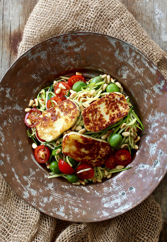 ZUCCHINI NOODLES WITH GRILLED HALLOUMI