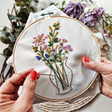 'Everlasting Flowers' Make Your Own Embroidery Set