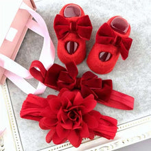 Load image into Gallery viewer, Hair Accessories Socks Gift Boxes Three-piece Suit Christmas Gifts