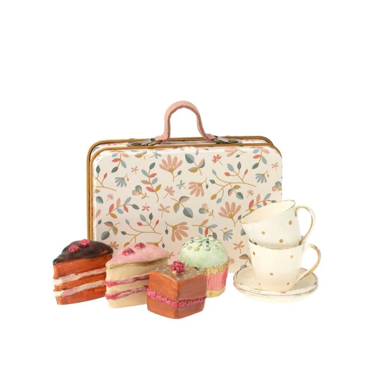 Maileg Cake Set in Floral Suitcase