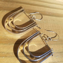 Load image into Gallery viewer, Mi Tri Dangle Earrings