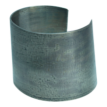 Load image into Gallery viewer, Patina Cuff Uno
