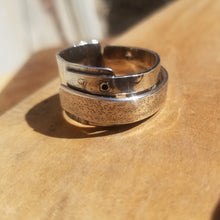 Load image into Gallery viewer, Textured love Ring