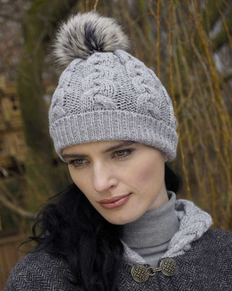 Cable Knit pom pom hat soft grey